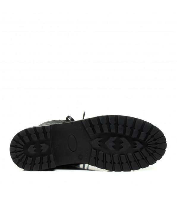 Черевики жіночі зимові Aquamarin чорні шкіряні на шнурівказ тракторна підошва