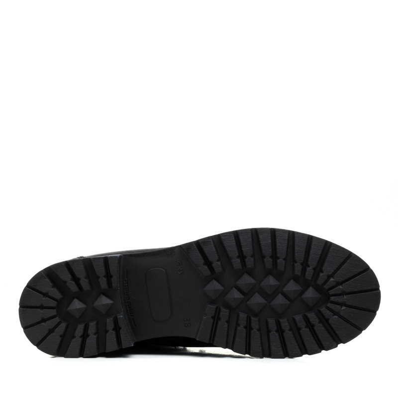 Черевики шкіряні чорні на низькому каблуці