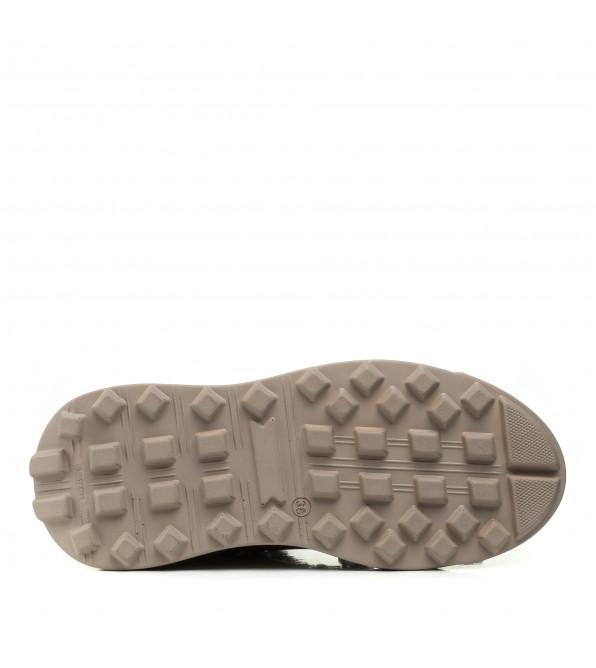 Черевики жіночі Teona бежеві на шнурівках на платформі