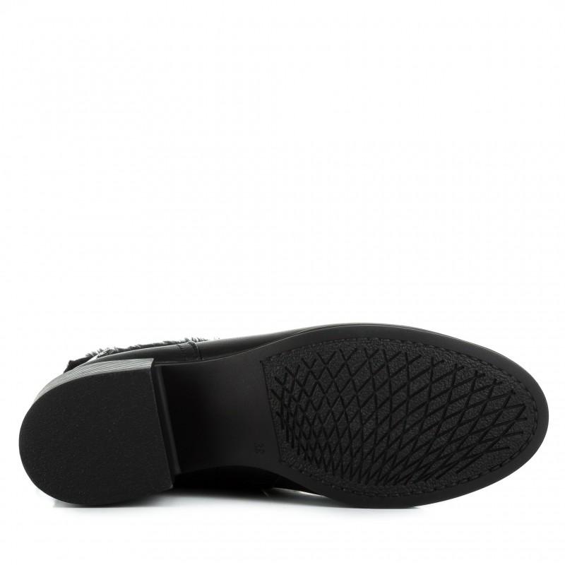 Напівчоботи жіночі шкіряні чорні на каблуку Foletti