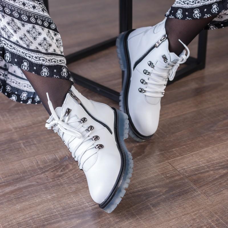 Ботинки женские кожаные белые зимние Zlett
