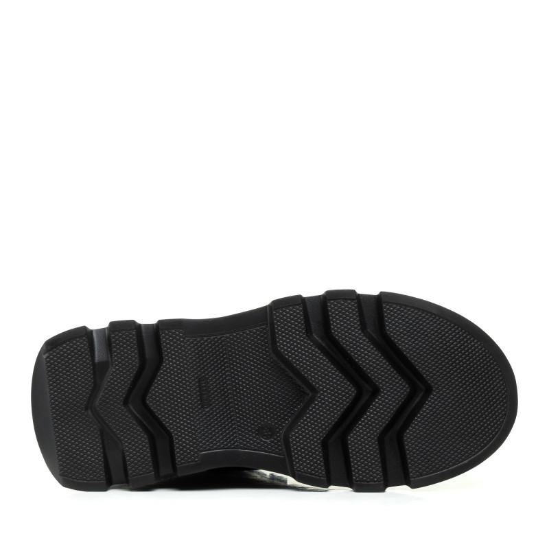 Черевики жіночі Kento чорні на шнурівках на платформі