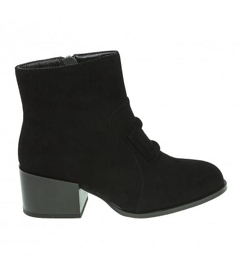 Ботильйони жіночі замшеві чорні на низькому широкому каблуку