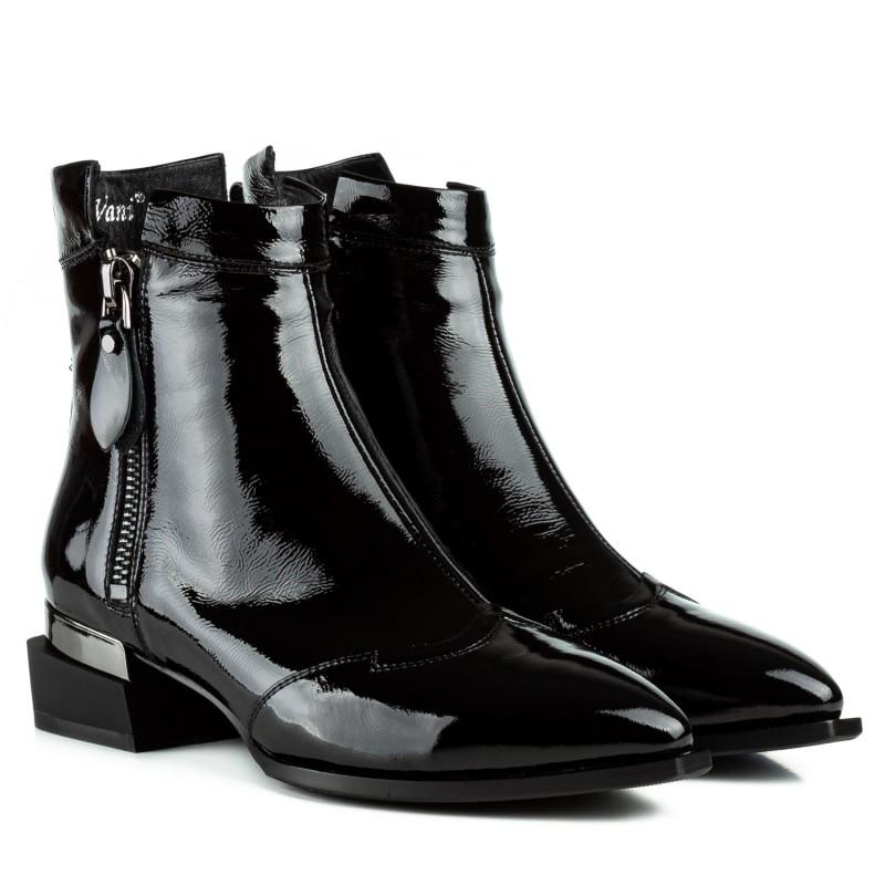 Черевики жіночі лакові чорні на низькому квадратному каблуку