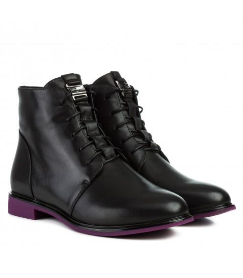 Черевики жіночі шкіряні чорні на низькому каблуку фіолетовий каблук