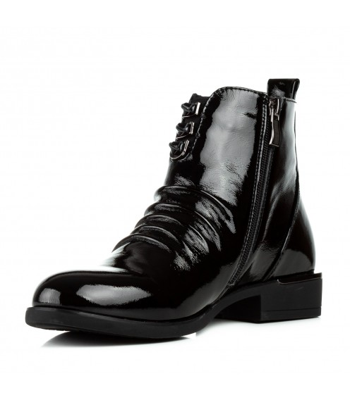 Черевики жіночі лакові чорні на низькому каблуку