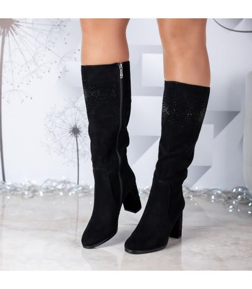 Чоботи жіночі замшеві чорні на товстому каблуку з стразами