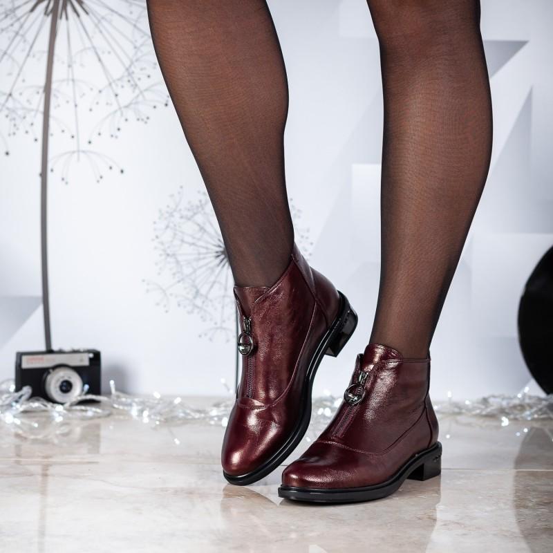 Черевики жіночі шкіряні бордові на низькому каблуку