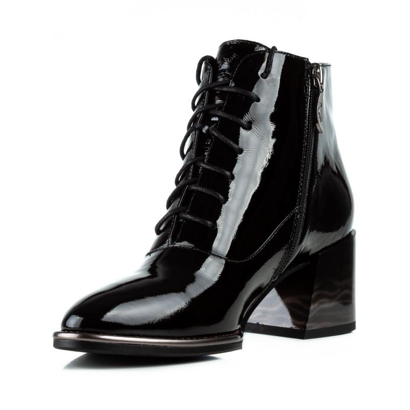 Ботильйони жіночі лакові чорні на квадратному каблуку і шнурівках