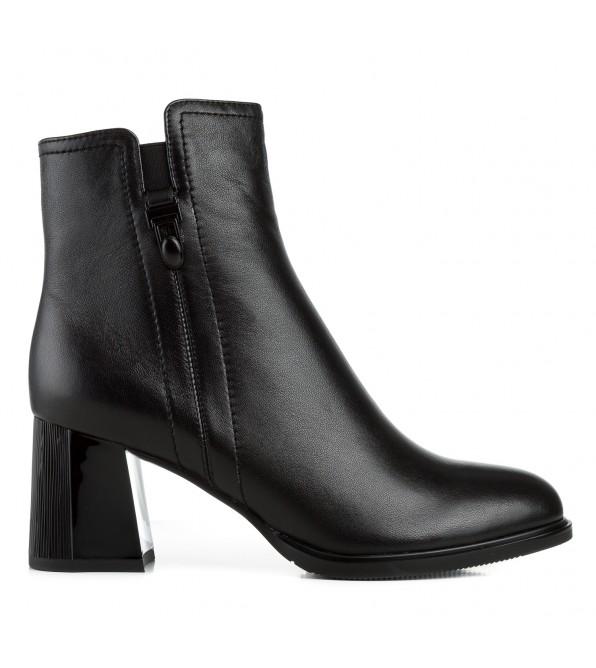 Ботильйони жіночі шкіряні чорні на квадратному каблуку Kamani