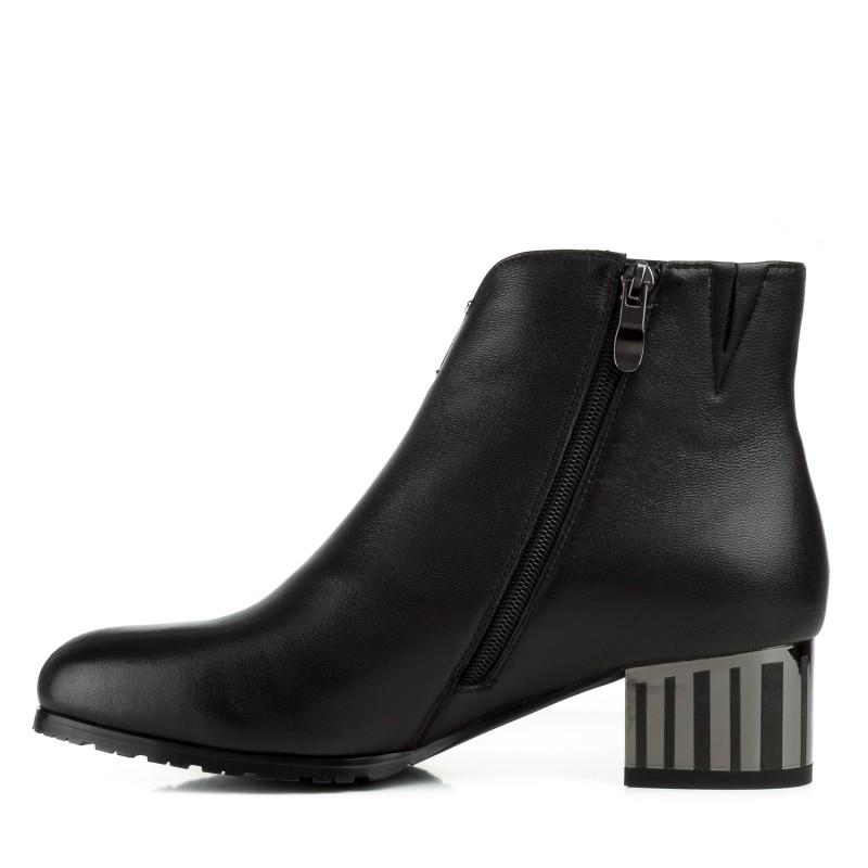 Ботильйони жіночі шкіряні чорні на середньому товстому каблуку