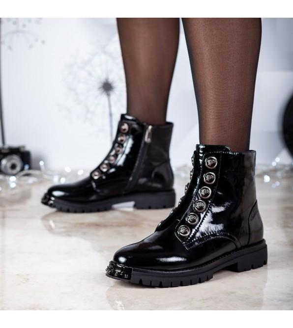 Черевики жіночі лакові чорні на низькому каблуку Brocoli