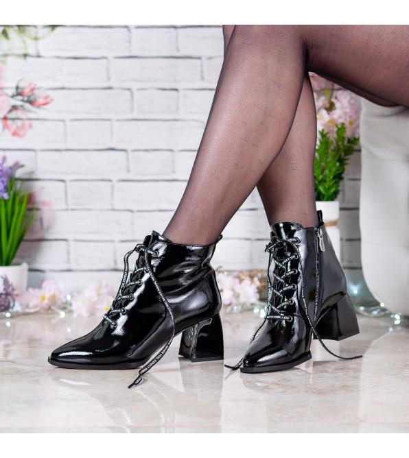 Ботильйони жіночі шкіряні лаковані з гострим носком Brocoli