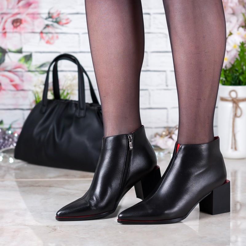 Ботильйони жіночі шкіряні з квадратним каблуком Lady Marcia