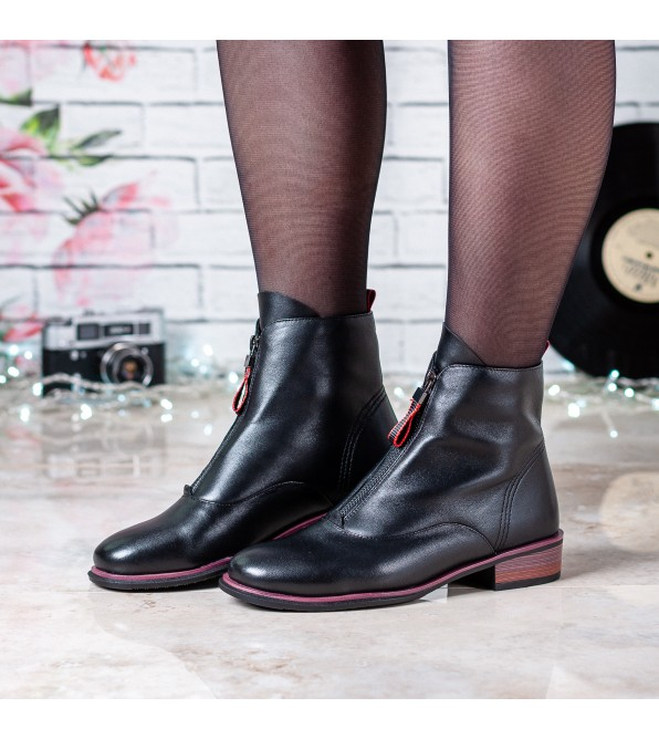 Черевики жіночі шкіряні з бордовим низьким каблуком Kamani