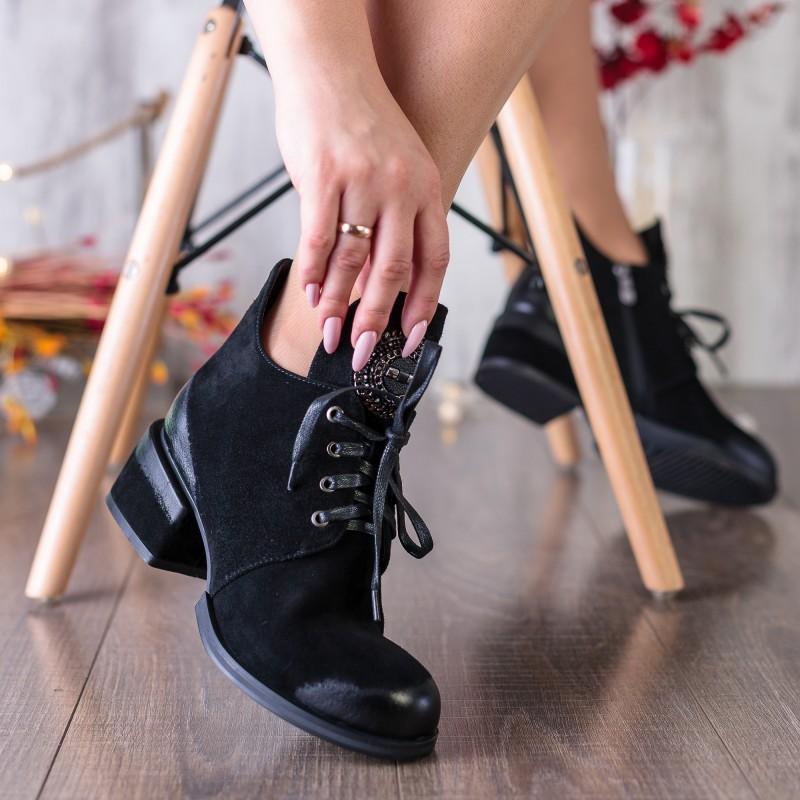 Ботильйони жіночі замшеві чорні на низькому каблуці Lady marcia