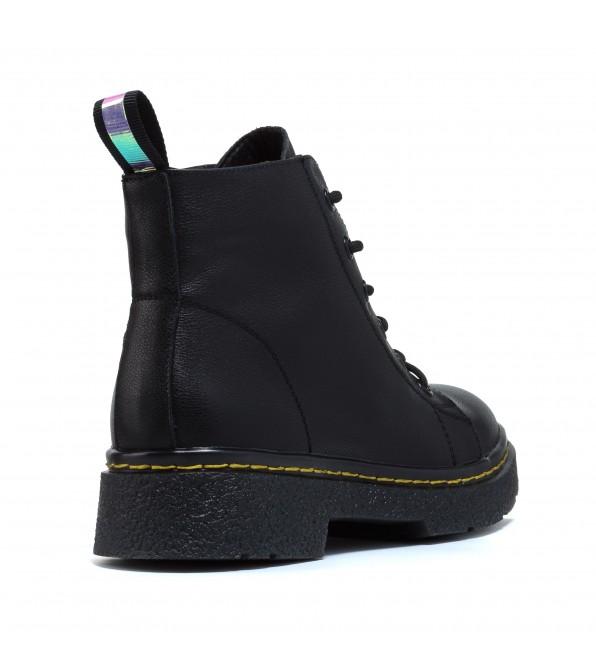 Черевики шкіряні чорні на шнурівці Aiformaria