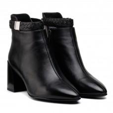 Ботимльоны женские черные на каблуке Mantyyra