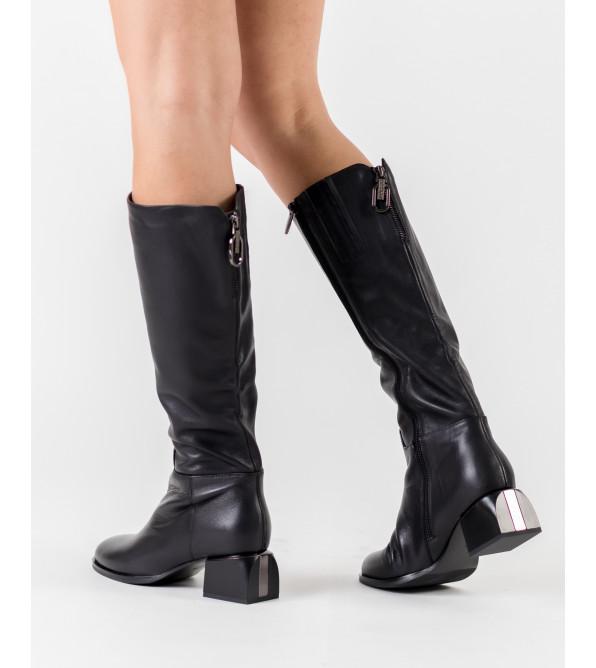 Чоботи жіночі демісезонні чорні на низькому каблуку  Polann