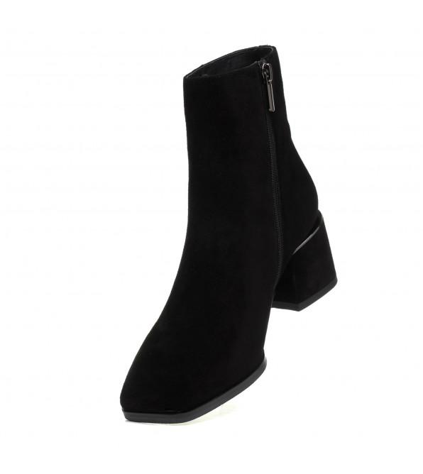 Ботильйони жіночі замшеві чорні на низькому каблуку Vidorcci