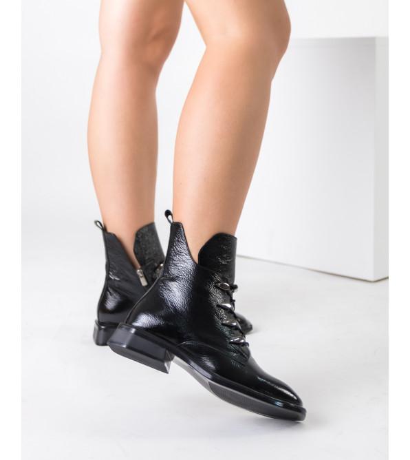 Черевики жіночі шкіряні лаковані чорні  MOLLY BESSA
