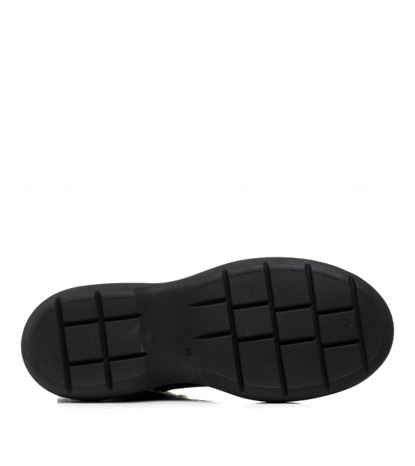 Черевики жіночі шкіряні на масивній підошві на шнурках