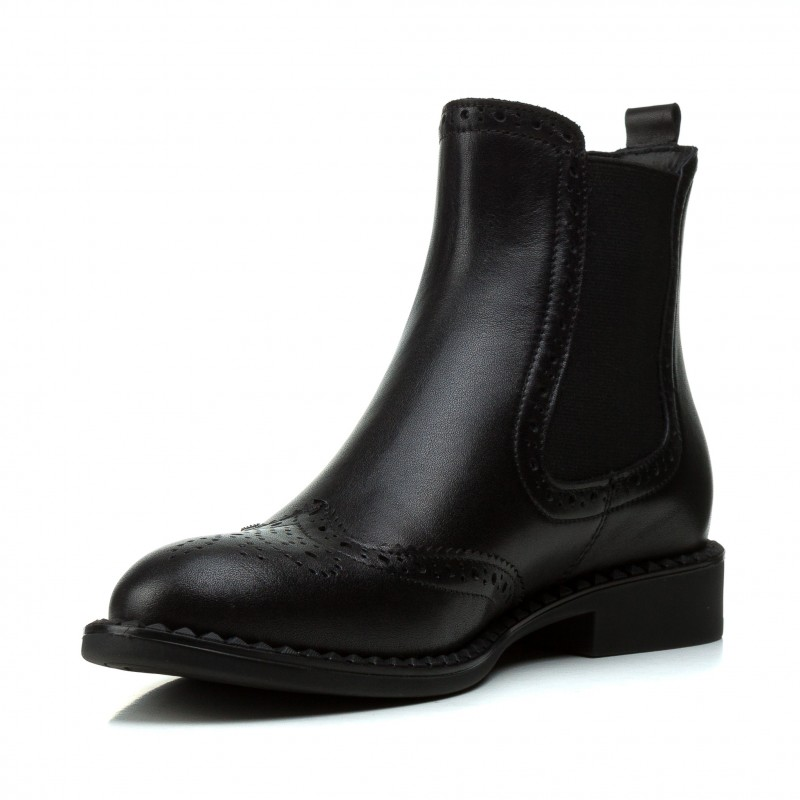 Ботинки женские кожаные на низком каблуке с резиновыми вставками Corsovito