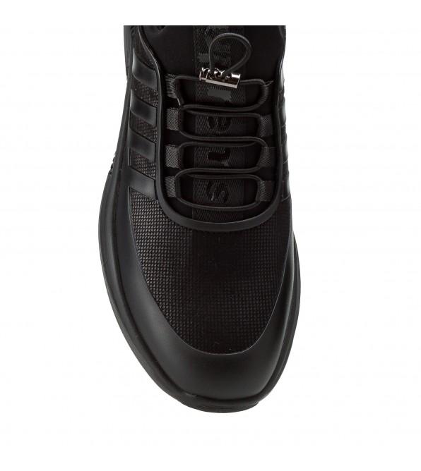 Чоловічі кросівки чорні шкіряні на стильній підошві модні молодіжні Lifexpert