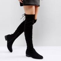 Как и с чем сочетать сапоги-ботфорты без каблука?