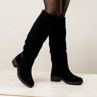 Как выглядеть модно зимой 18/19: замшевые сапоги допомогут создать идеальный образ