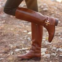 Женские кожаные сапоги: мода на ковбойский стиль вернулась