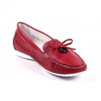 С чем носить красные мокасины женские: модные советы от «Мариго»