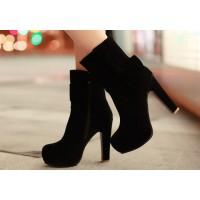 Дайте женским ножкам тепла: ботинки или сапоги?