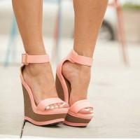 Новые поступления женских босоножек в интернет магазине Мариго